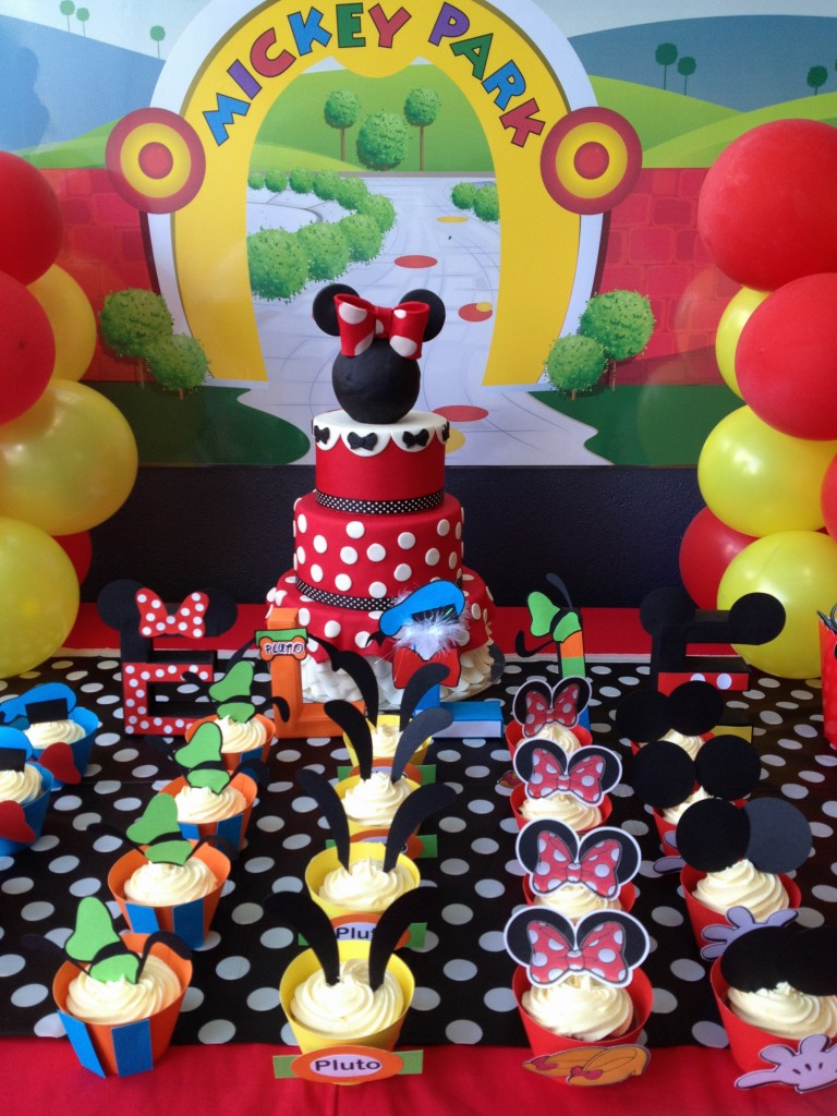 Mickey Mouse Clubhouse cupcake party setup