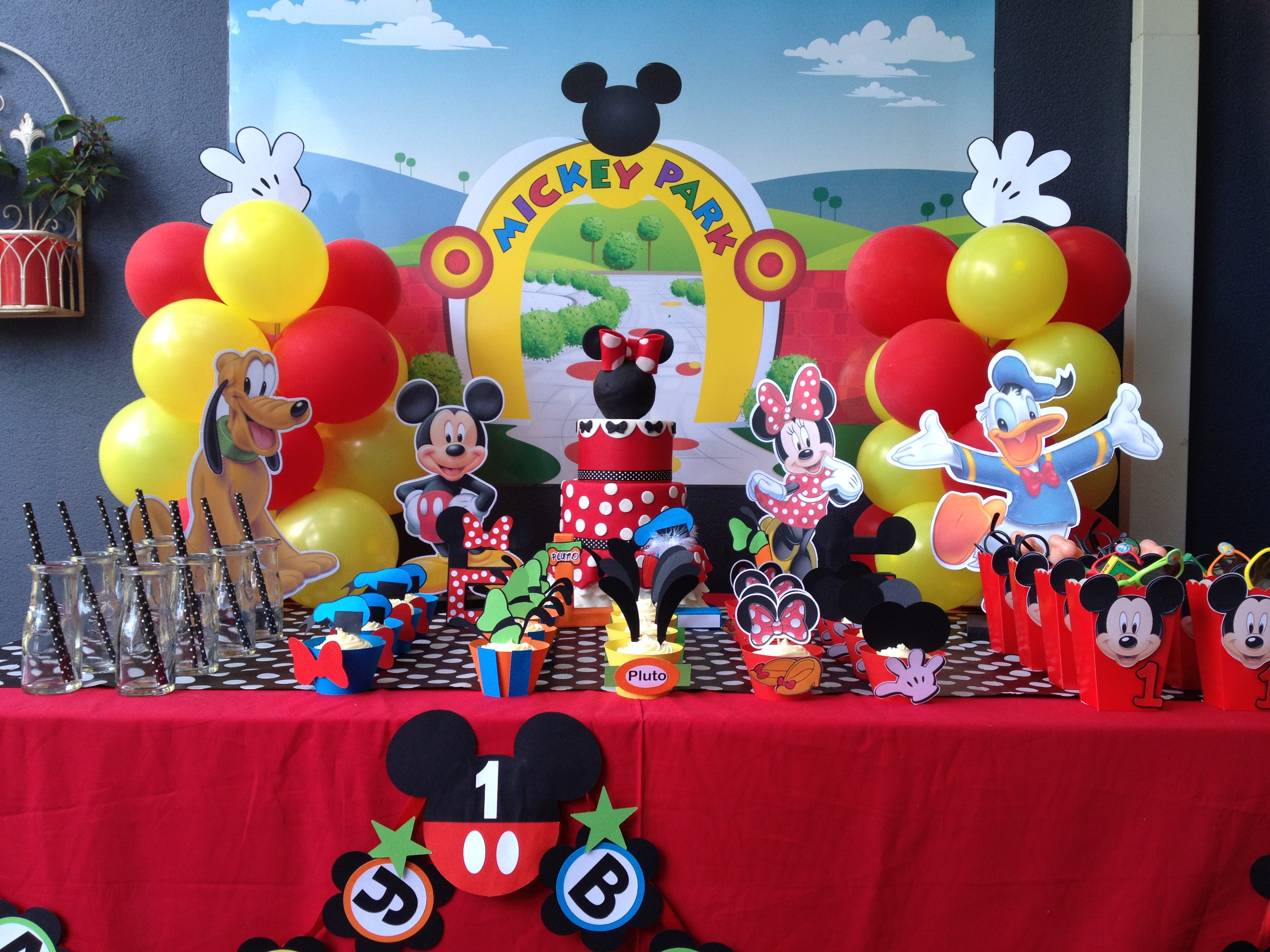 How to plan a Mickey Mouse Birthday party celebration for ...