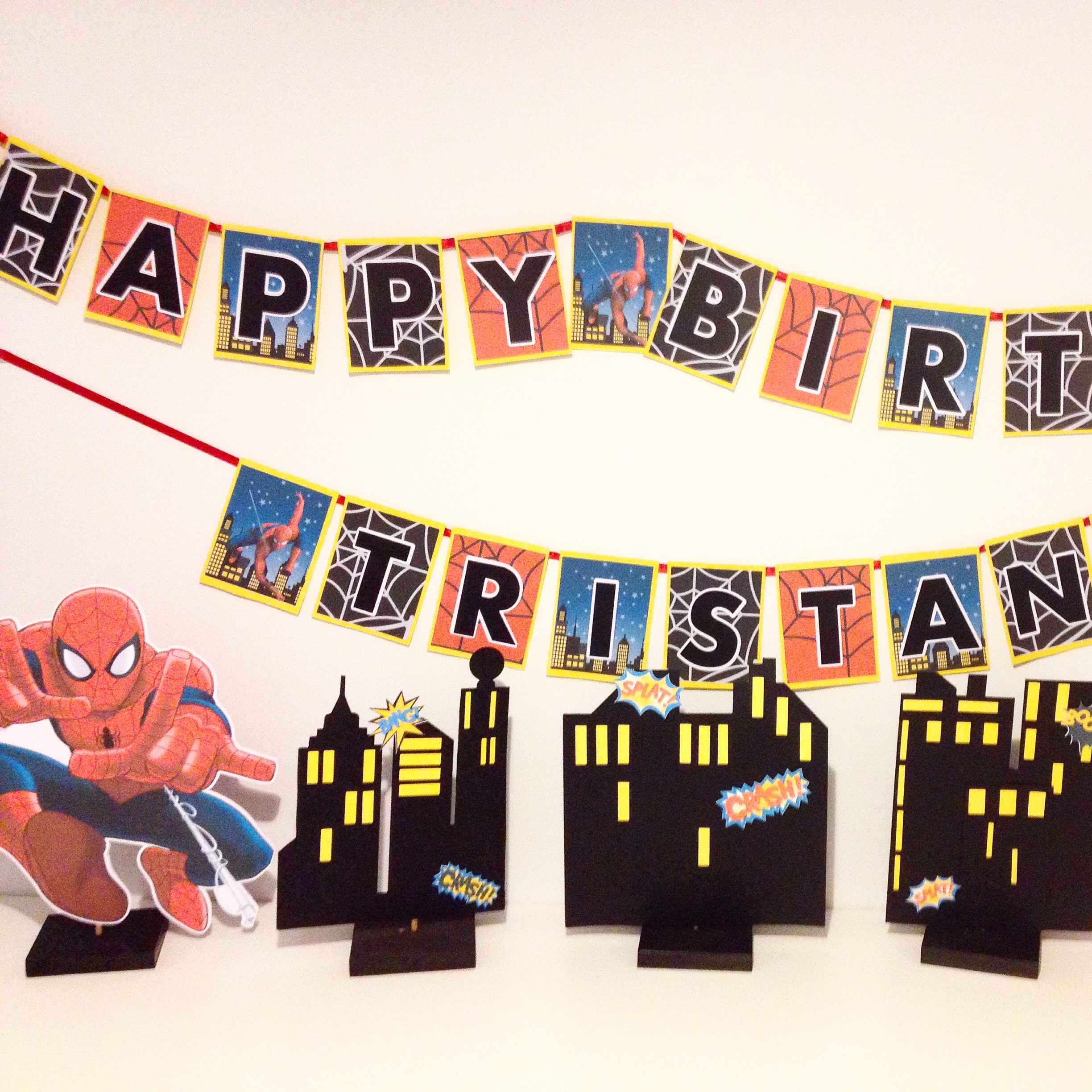 Spiderman Birthday Party Table setup with free printables