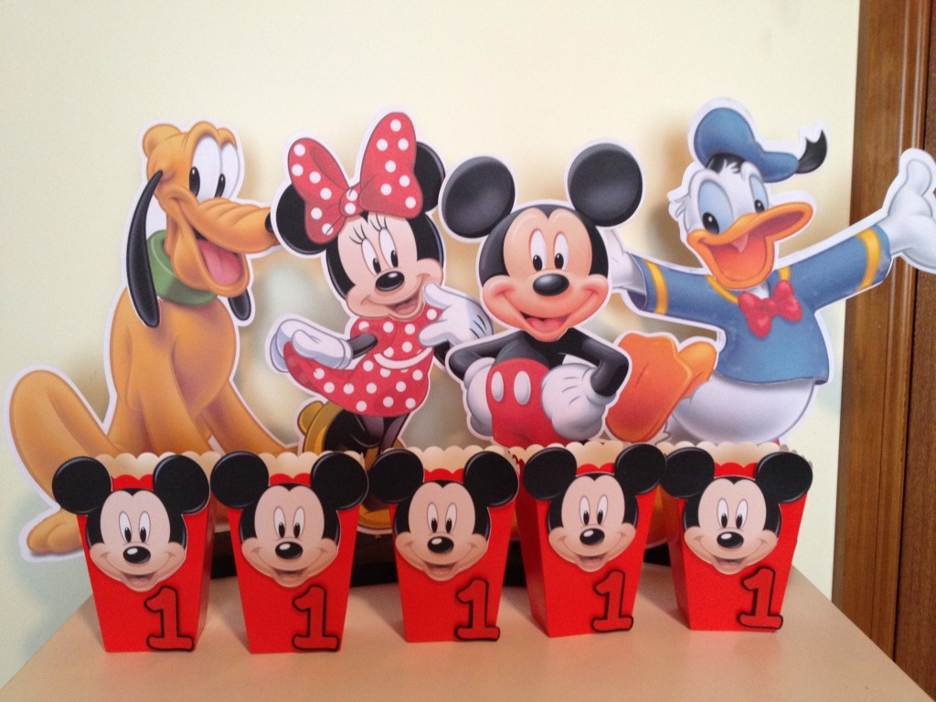 mickey mouse party decorations with free printables and