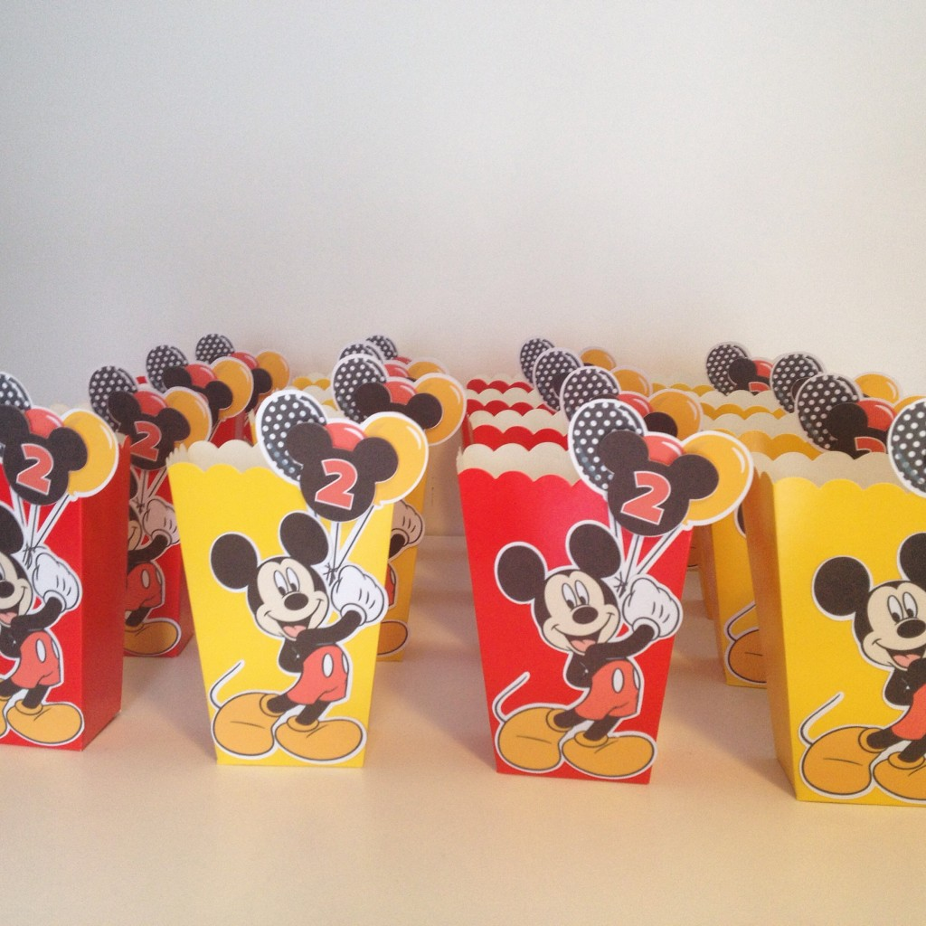 Mickey Mouse treat bags tutorial and free printable