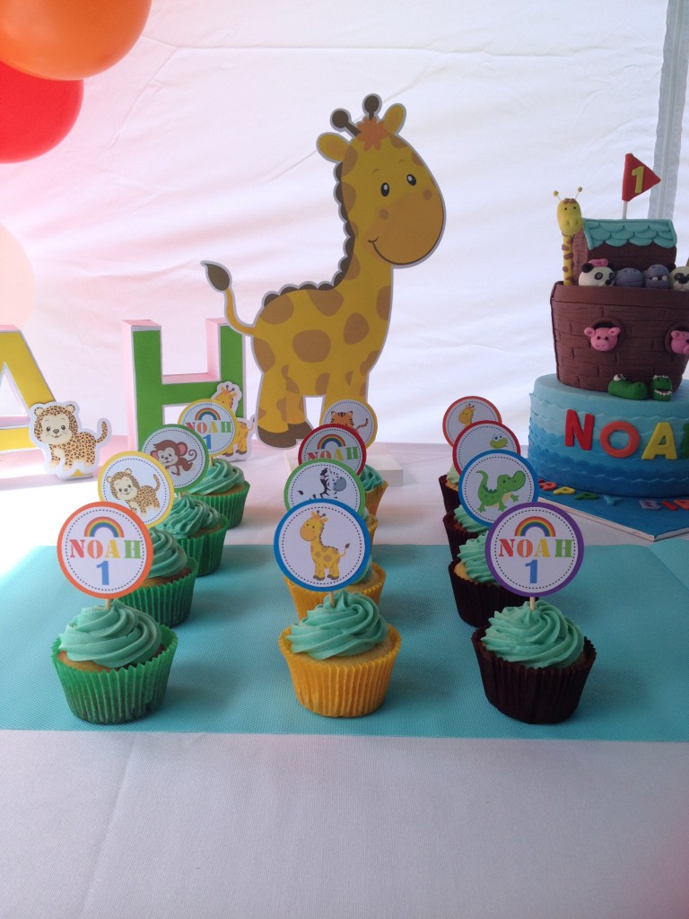 Noah's Ark party decorations with tutorial and free printables